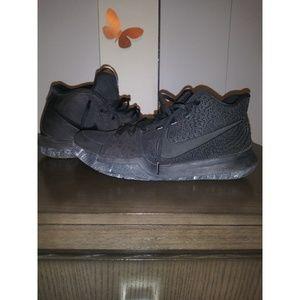 Kyrie Sneakers 3 (Triple Black)